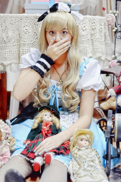 Jessica Ouano as Alice