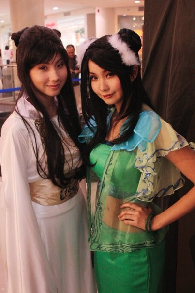 Ashley and Alodia Gosiengfiao
