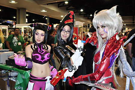 Popular Asian cosplayers Linda Le, Jan Illenberger, and Alodia Gosiengfiao pose for the cameras at the 2010 San Diego Comic-Con. Linda cosplays Juri Han from the video game Super Street Fighter IV. Jan cosplays Bayonetta from the video game Bayonetta. Alodia cosplays Amaha Masane from the anime series Witchblade. Photo by Erskine Manglicmot.